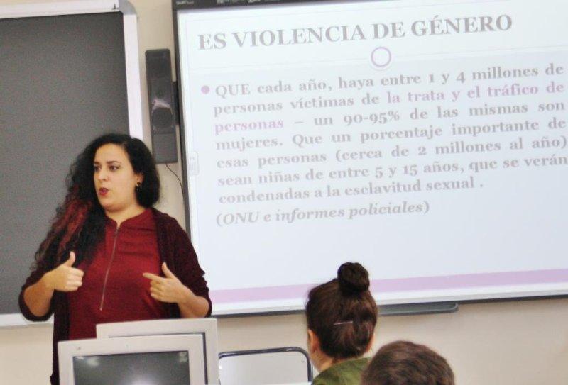 """Alba Martínez, pedagoga feminista """"Hay que dar respuesta a la falta de recursos que tienen las y los docentes sobre la violencia sexual y de género"""""""